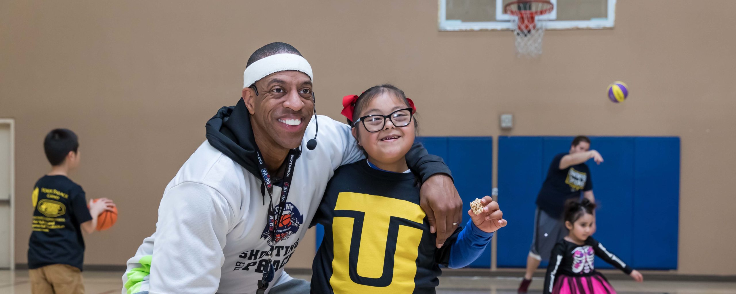 Touro Holds 2020 Basketball Clinic for Children with Autism and Developmental Disabilities